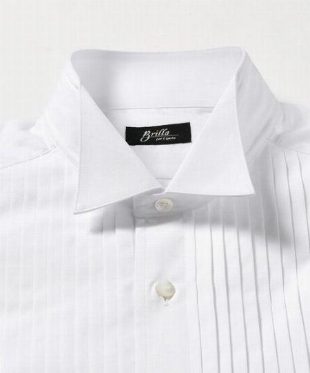 フォーマルシャツの代名詞であるウィングカラー