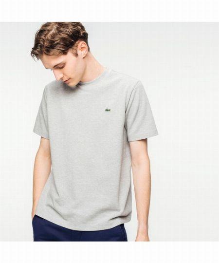 『ラコステ』といえばポロシャツが有名ですが、Tシャツだって名品揃いです