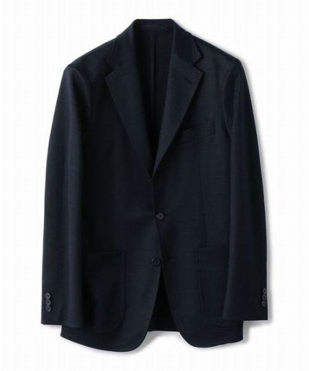 襟・ラペル・裾周りにヨレがない仕立ての良いモノを選ぶこと