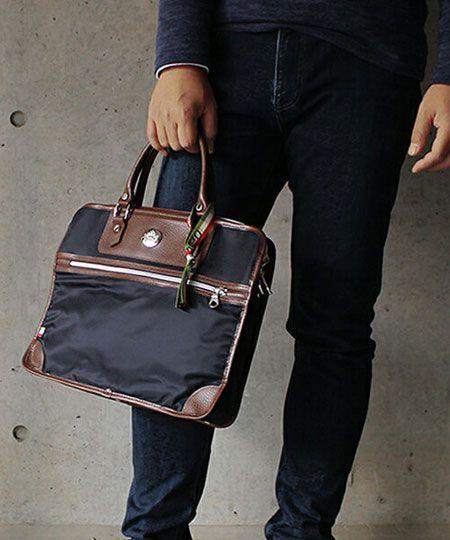 ビジネスマンからの支持が厚い『オロビアンコ』のバッグ