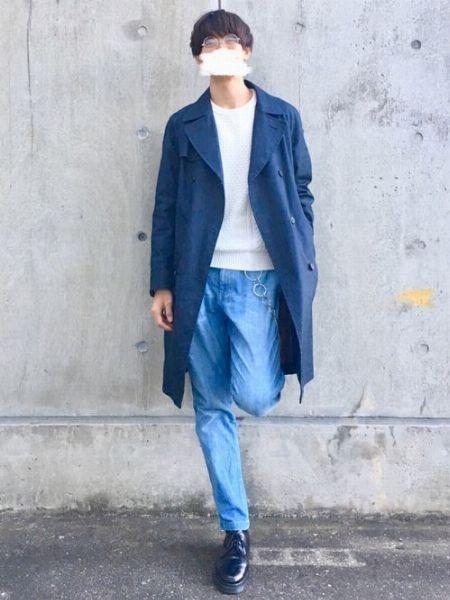 ブルーのグラデーションで清潔感を高めた応用的な着こなし
