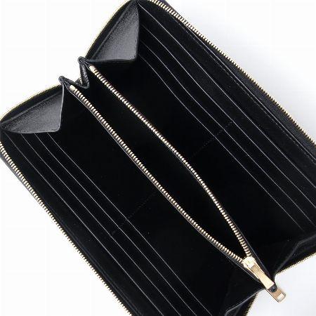 洗練されたデザインで大人を魅了する『セリーヌ』の財布 3枚目の画像