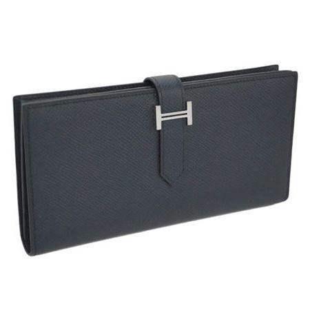 『エルメス』の財布の中で不動の人気を誇る「べアン」の長財布