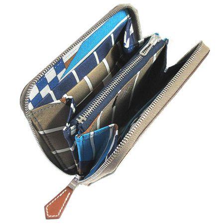 財布とカードケースを一体化した「マンハッタン」の二つ折り財布