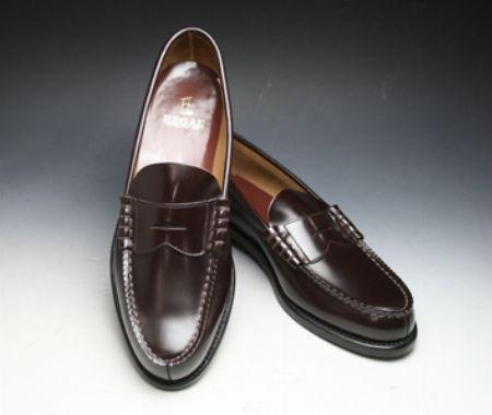 日本人の足に馴染むのは、やっぱり『リーガル』のローファーだ