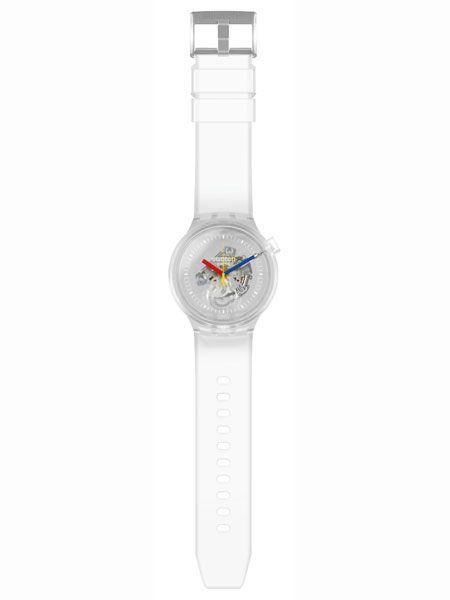 まさにクラゲのような透明感。新旧モデルのいいとこ取りな腕時計で、春を軽快に 3枚目の画像