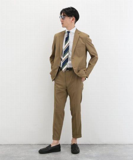 配色&ネクタイの結び方がパーフェクトなタイドアップスタイル