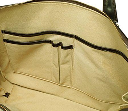 見えない部分も手抜かりなし。『ガンゾ』のバッグは「内装」も良い