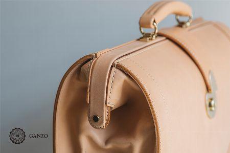 一生モノの価値がある。ガンゾのバッグは大人にこそふさわしい