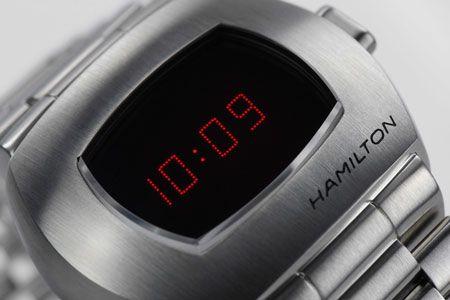 あの伝説モデルが復活。アップデートを遂げた腕時計界の革命児 6枚目の画像