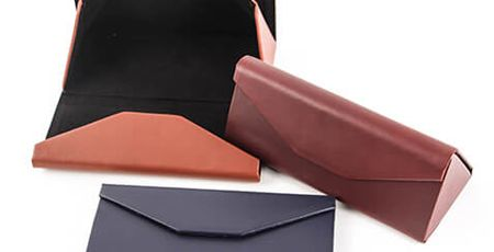 『ブースターズ』折畳式コンパクト革メガネケース