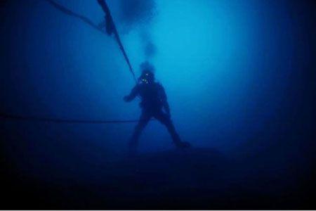 海の男たちに捧げる本格派。エドックスが仕掛ける新作ダイバーズ 3枚目の画像