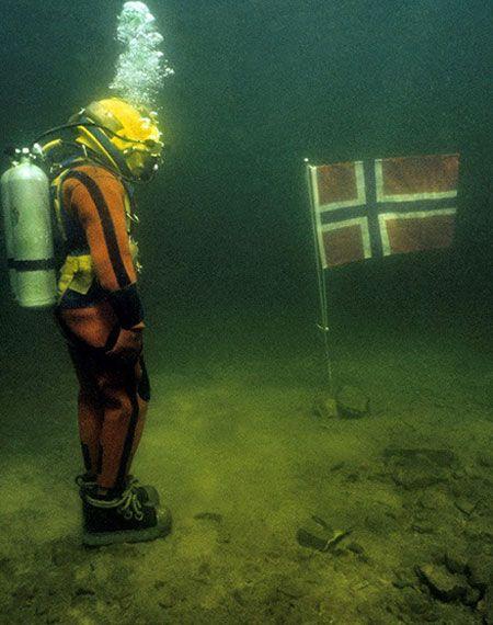 海の男たちに捧げる本格派。エドックスが仕掛ける新作ダイバーズ 4枚目の画像
