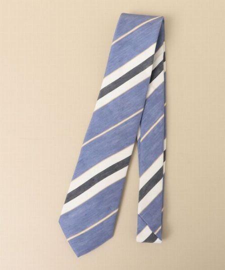 着こなしの旬度を高めるなら、リネン素材のネクタイを