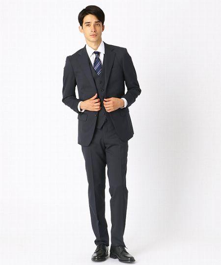 スーツのポケットに物を入れるのって本当はダメなの?