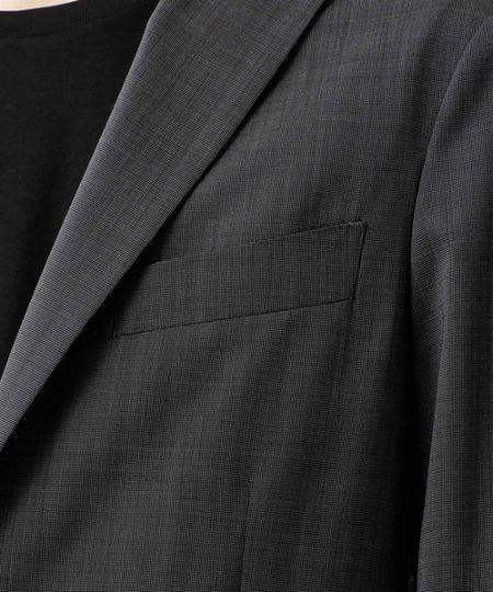 スーツの顔ともいえる「胸ポケット」