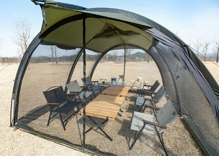 カマボコ型テントは「広い!」
