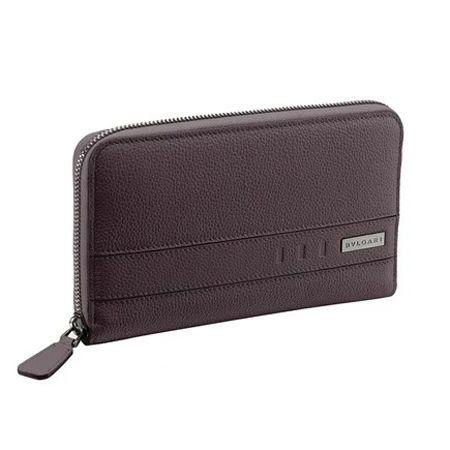 バックルデザインがおしゃれな「ブルガリ バックル」の長財布