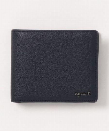 クラス感漂う独特な型押しが印象的な二つ折り財布「OAH20-01」