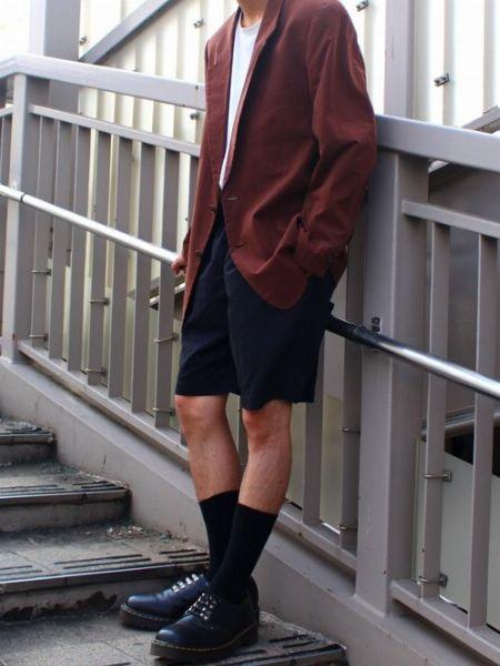 上品カラーのジャケットとソックスでクラスアップ!