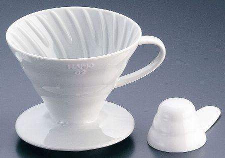 「陶器」は耐久性と保温性が魅力