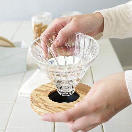 「ガラス」は陶器に近い特性