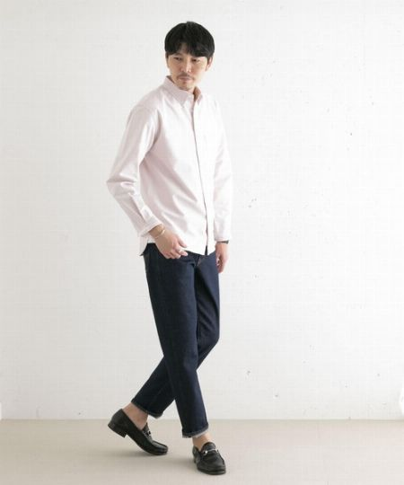 シャツ×ジーンズのきれいめカジュアル