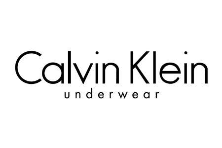 知ってた? 『カルバン・クライン』公式サイトで、自分だけの1枚をカスタマイズ