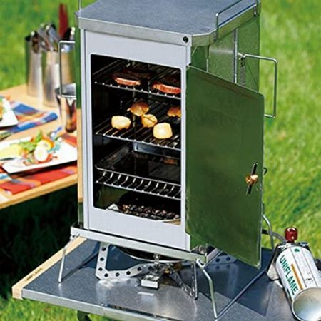 燻製器を使えば、いろんな食材が手軽に旨みアップ
