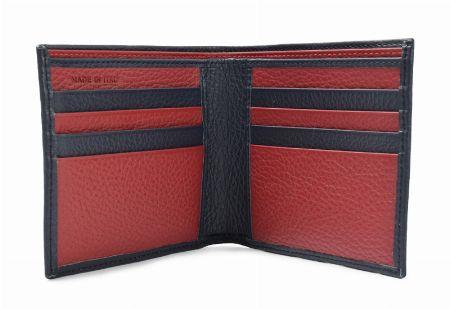 気分が上がる内装デザインが魅力の二つ折り財布 2枚目の画像