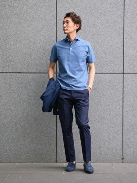 ブルー系のカラーでまとめて爽やかな装いを構築