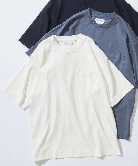 ▼アイテム3:「Tシャツ」は、無地で上質感のあるタイプが基本