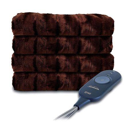 冬場は電気毛布やホットカーペットの利用を