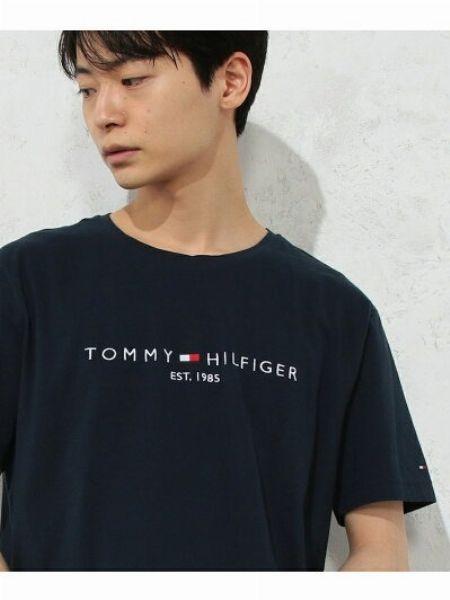 大人っぽいTシャツコーデを手に入れたいなら、『トミー ヒルフィガー』はいかが?