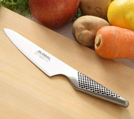 ペティナイフとは? 包丁や果物ナイフと何が違うの?