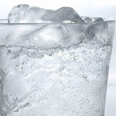 炭酸の強さを自分好みに合わせた、フレッシュな炭酸水