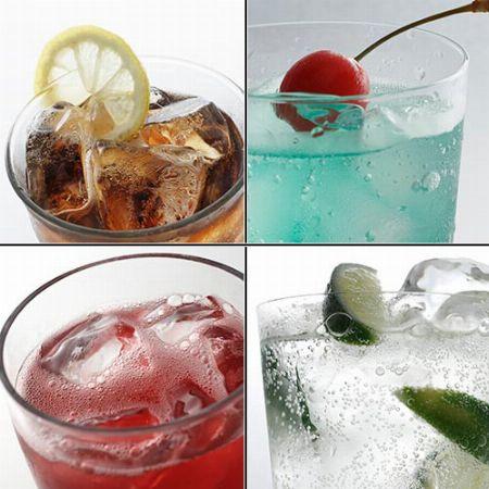 レモンスカッシュやハイボールなどの炭酸飲料