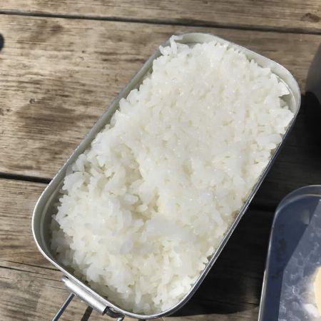 メスティンの基本、ご飯を炊く