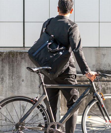 服装を工夫すれば、自転車通勤はもっと快適に