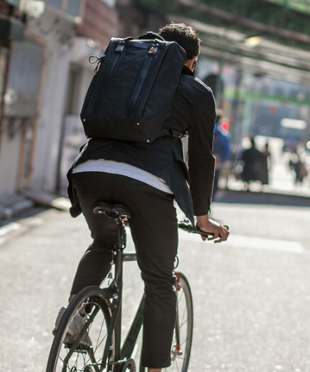 服装を工夫すれば、自転車通勤はもっと快適に 2枚目の画像
