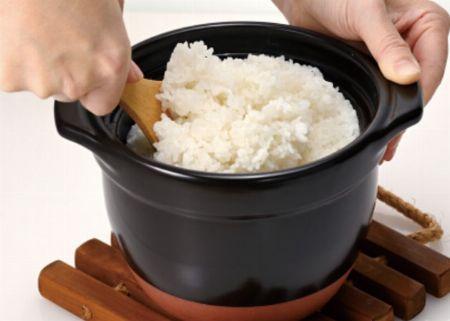 火加減が不要でふっくらおいしいご飯が炊ける