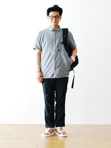クリーンな印象と快適さの両取りが叶うシャツコーデ