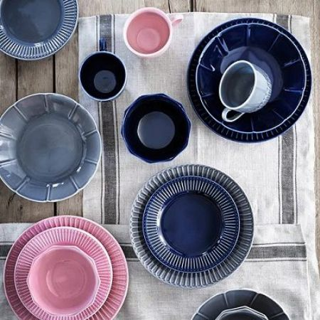 おしゃれなデザインが種類豊富に揃う『イケア』の食器
