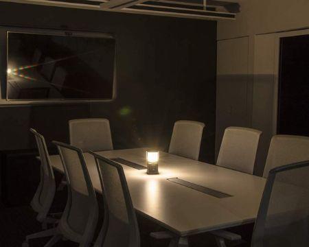 光量によって連続点灯時間が変わる