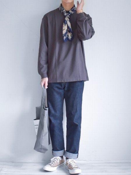 ▼パターン1:シンプルな装いの上品なアクセントとして効かせる 2枚目の画像