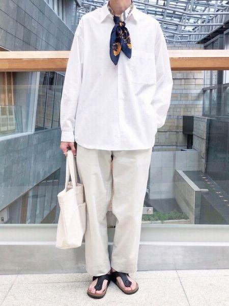 ▼パターン3:スカーフをスタイリングの主役として活用
