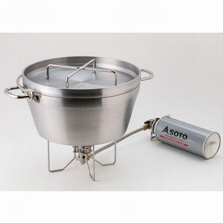 ダッチオーブン調理には、大型五徳搭載タイプを使用