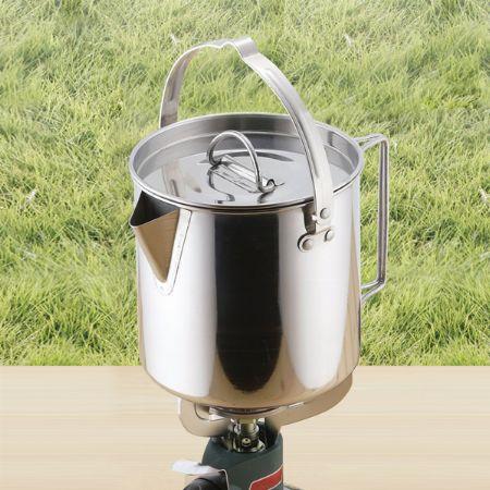 湯沸かし専用の「ケトル」タイプもあります