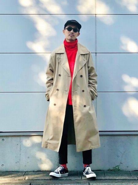 タートルネックで個性を加味したコートスタイル