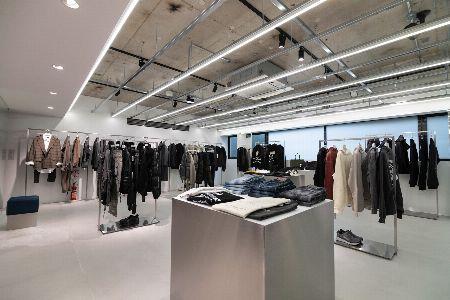 東京・青山のタトラス直営店が超進化。世界でただ1着のダウンを手に入れるカスタム体験、してみない? 3枚目の画像